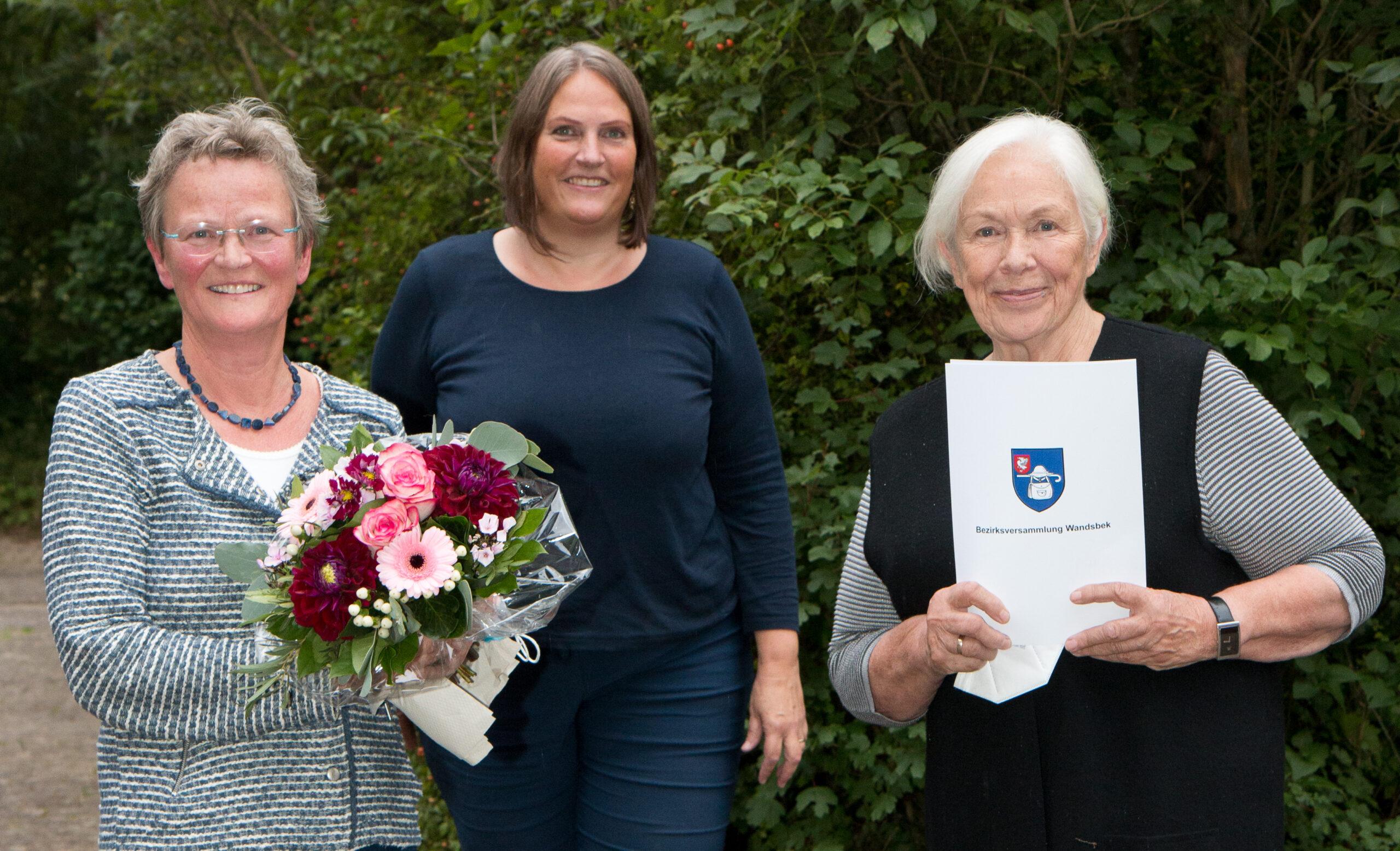Müttertelefon in Volksdorf mit dem Umwelt- und Sozialpreis des Regionalausschusses Walddörfer ausgezeichnet