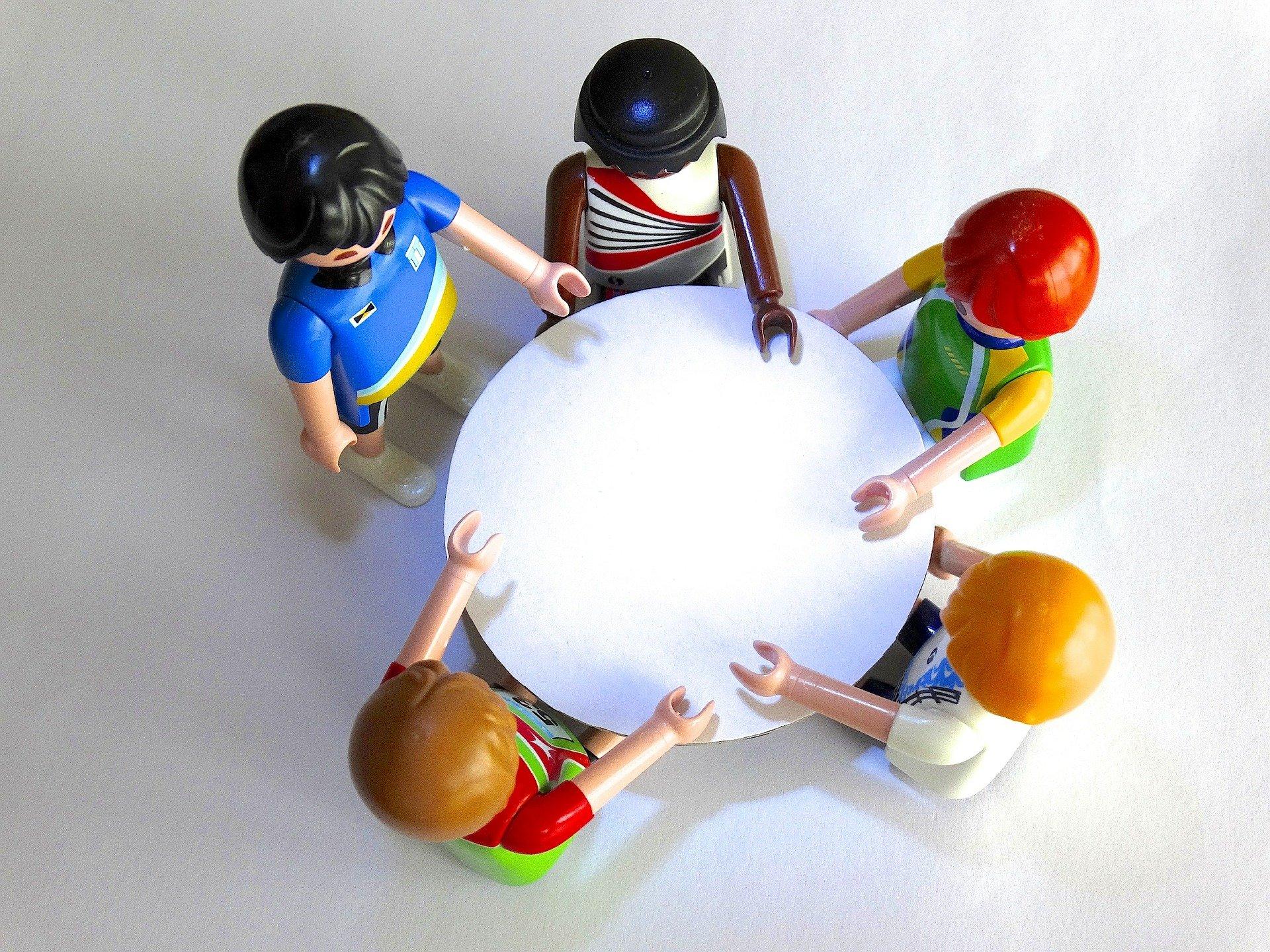 Dialog mit Kindern- und Jugendlichen in den Bezirken